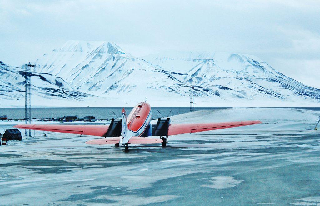 Plane, Arctic